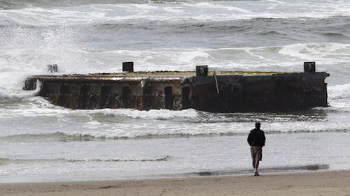 Japanese Dock Washes Up on US West Coast